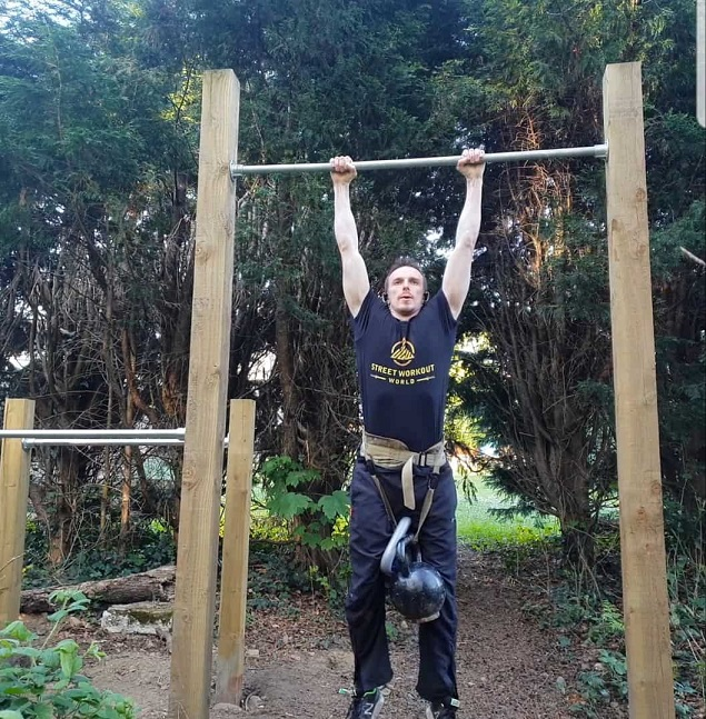 Outdoor Pull Up Bar With Parallel Bars